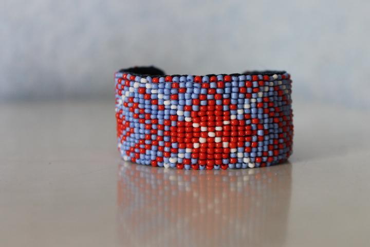 bracelet perles tiss es motif cossais. Black Bedroom Furniture Sets. Home Design Ideas